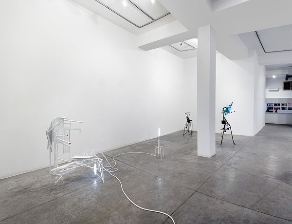 827_m-boschan-closed-space-stories3-600x460