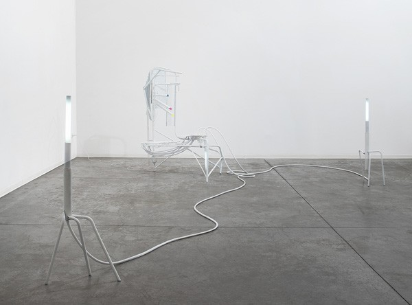 830_m-boschan-closed-space-stories6-600x444